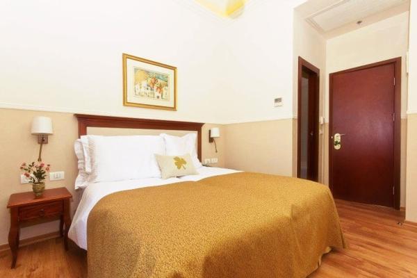 סופריור-מלון בוטיק ארקדיה במושבה