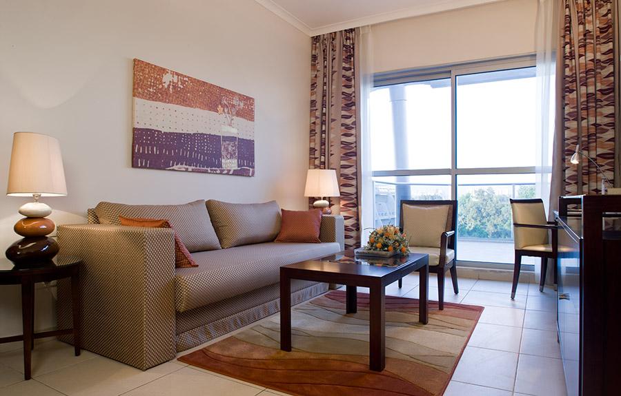 סוויטה עם 2 חדרי שינה וסלון - מלון כפר המכביה סוויטות פרמיום