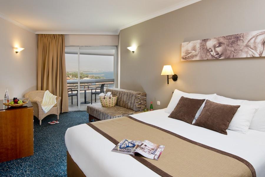 חדר סופריור עם נוף לים בקומה גבוהה - מלון לאונרדו פלאזה אילת