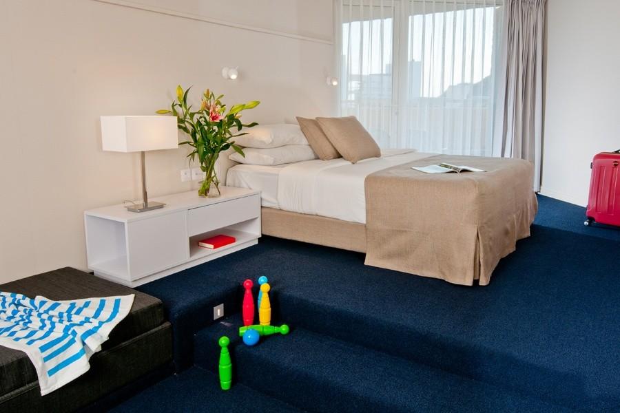 חדר דלקס טאואר- מלון יו קורל ביץ