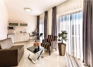 סוויטת חדר שינה וסלון- מלון שמאי סוויטס ירושלים