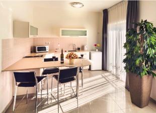 סוויטת שני חדרי שינה וסלון-מלון שמאי סוויטס ירושלים