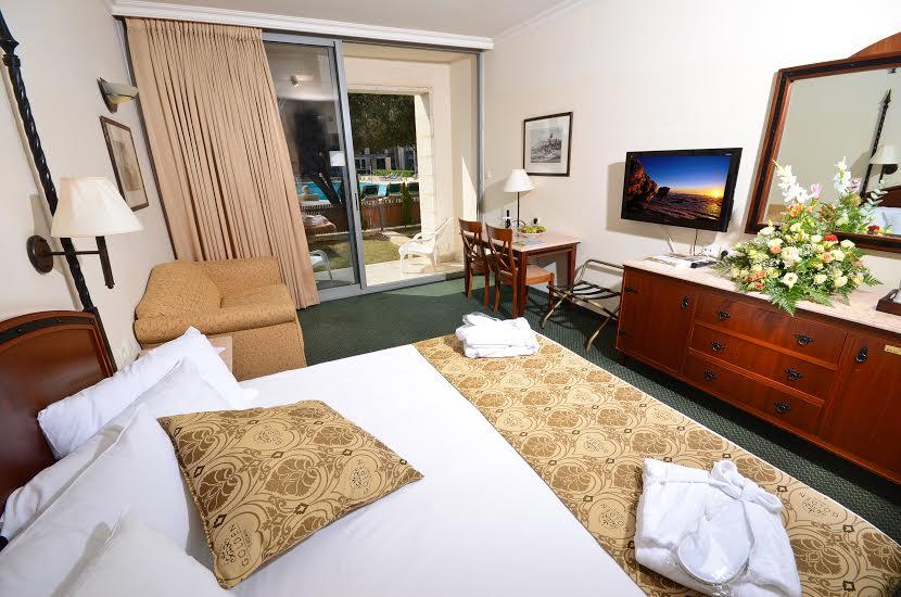 חדר משפחתי -מלון גולדן קראון נצרת