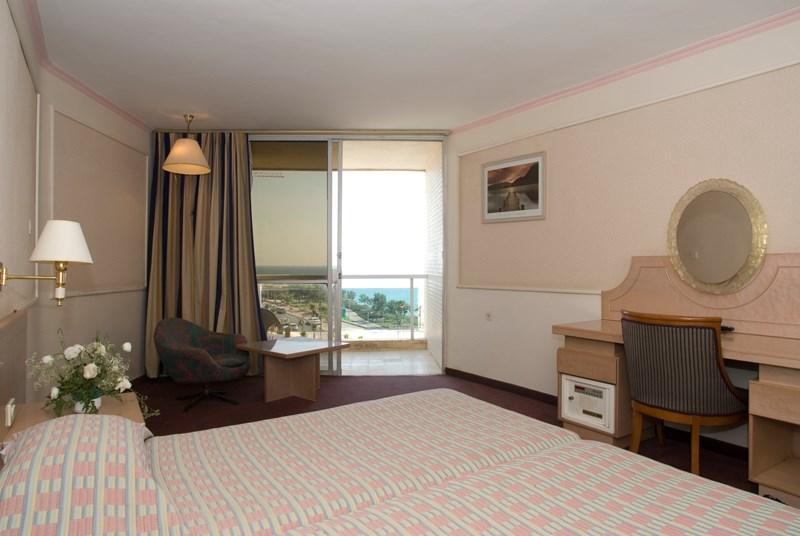 חדר רגולר- מלון גליל נתניה