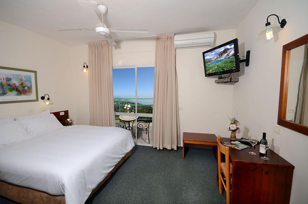 חדר סופריור זוגי עם מרפסת-מלון מנרה לודג