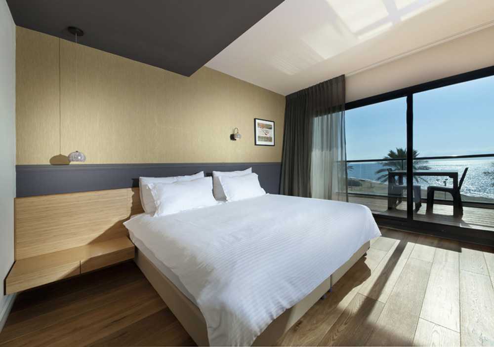 סוויטת דלקס עם נוף לים ולבריכה -מלון סי לייף נהריה