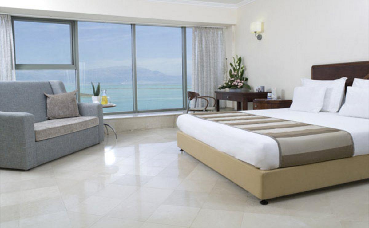 Panorama Room