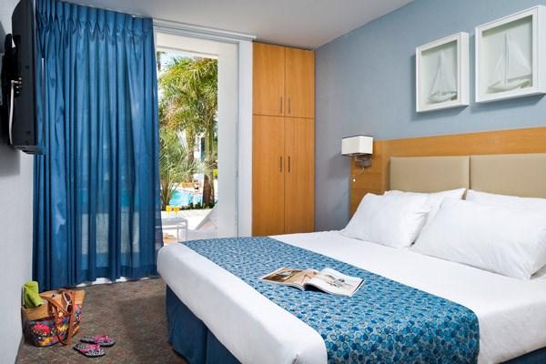 חדרי סטנדרט גן- מלון אסטרל פאלמה