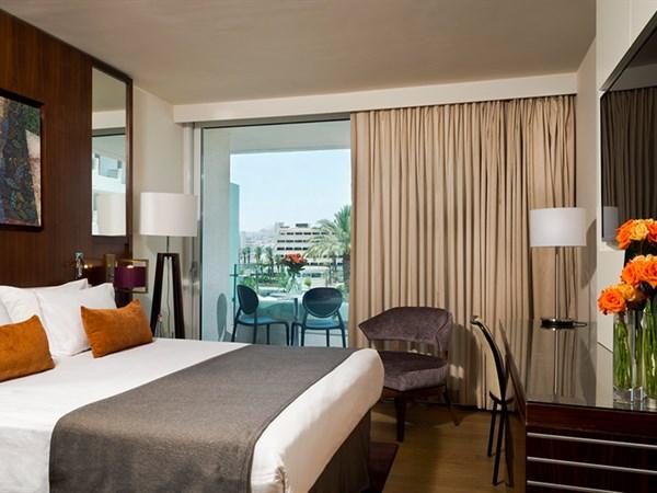 חדר נוף לבריכה זוגי בקומה השלישית - מלון ישרוטל המלך שלמה