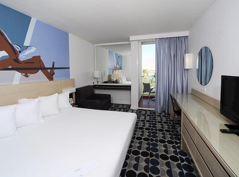חדר נוף לבריכה -מלון ישרוטל ספורט אילת