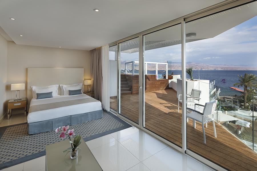 סוויטה עם ג'אקוזי במרפסת ונוף- מלון אורכידאה ריף אילת