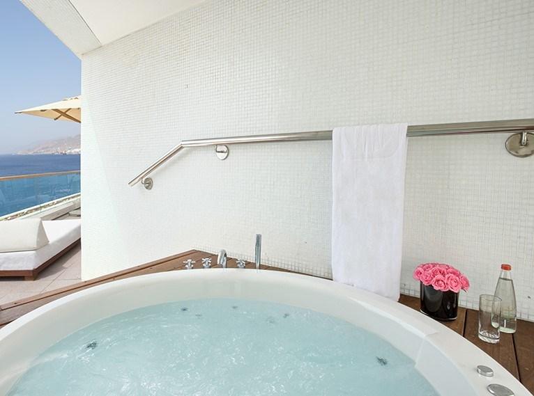 סוויטת רויאל חדשה -מלון ישרוטל רויאל ביץ אילת