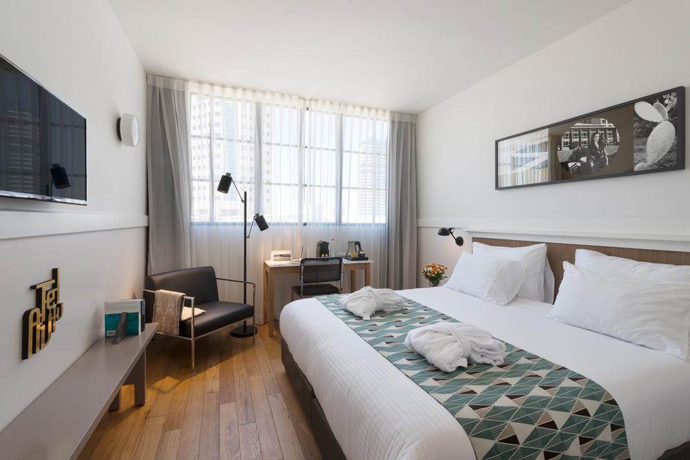 חדר סופריור – לילי אנד בלום תל אביב