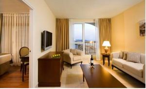 סוויטה משפחתית מיטות נפרדות  - מלון אורכידאה תל אביב