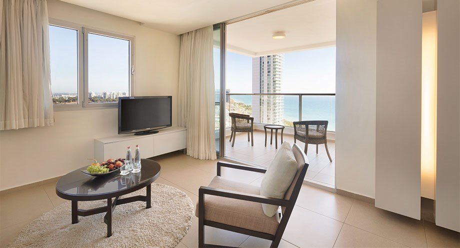 Superior Suite with Balcony and Partial Sea View