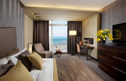Executive Carmel & Sea View Triple Room