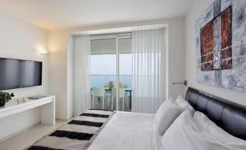 Grand Deluxe Duplex suite